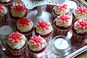 hula cakes