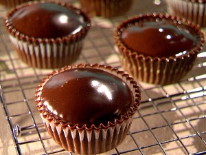 CI0101_Chocolate-Cheesecake-Cupcakes-with-Ganache-Frosting-1_lg