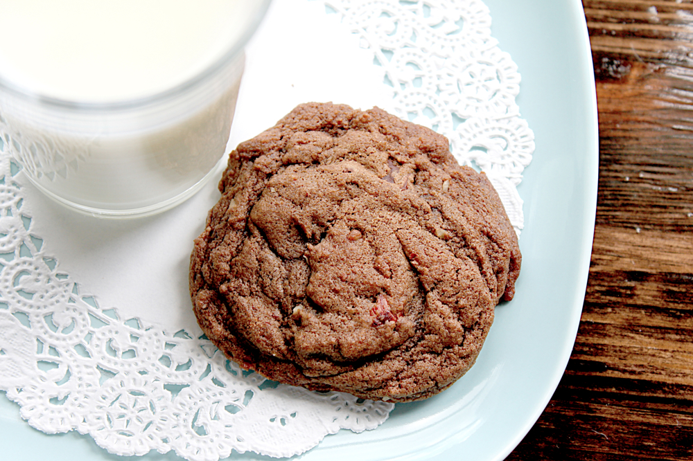 ... the Kitchen: Chewy Chocolate Hazelnut Cookies | {love+cupcakes} Blog