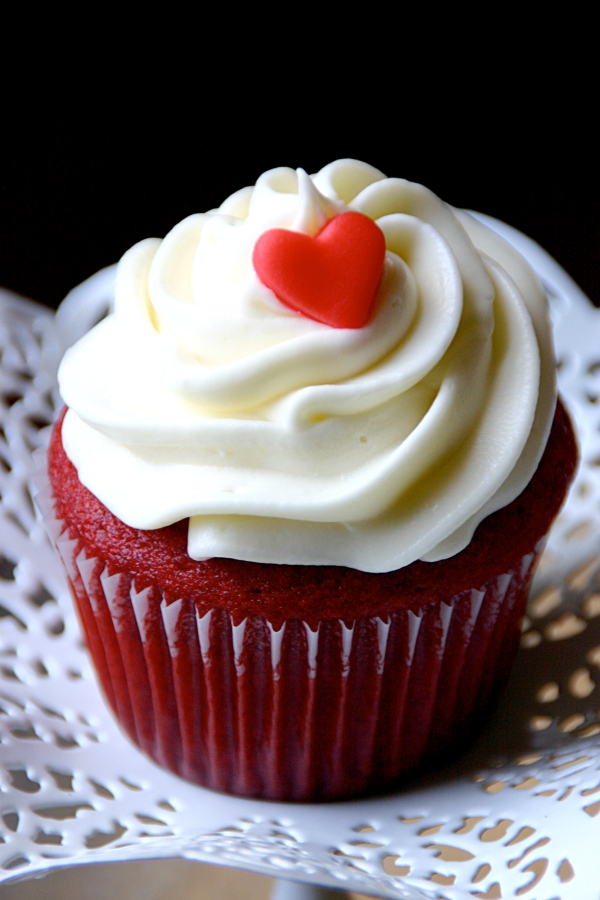 ... the Kitchen: My Favorite Red Velvet Cupcakes | {love+cupcakes} Blog