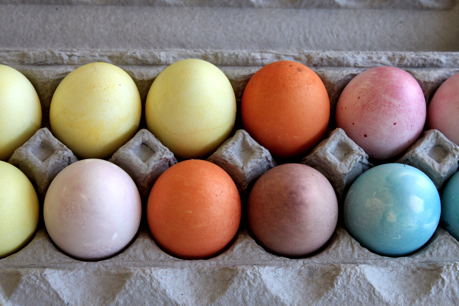 Make this: Naturally Dyed Easter Eggs | {love+cupcakes} Blog