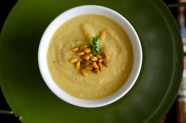 Curried_Coconut_Cauliflower_Soup_008