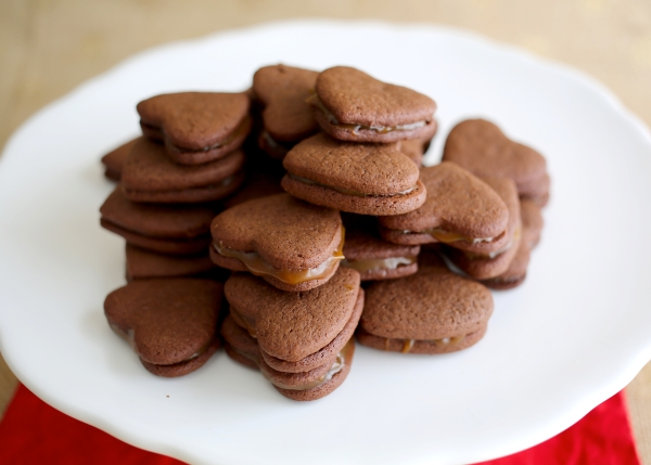 Salted-Caramel_Chocolate_Sandwich_Cookies_002