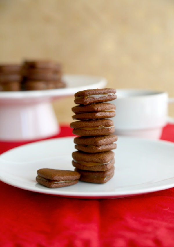 Salted-Caramel_Chocolate_Sandwich_Cookies_012