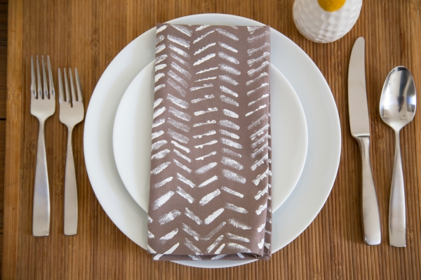DIY_Painted_Graphic_Napkins_006