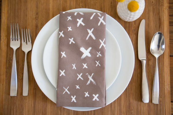 DIY_Painted_Graphic_Napkins_007