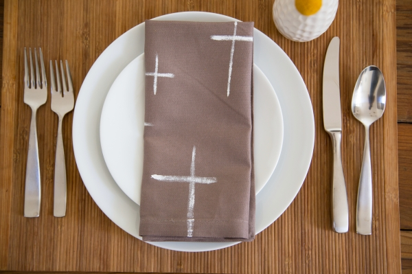 DIY_Painted_Graphic_Napkins_008