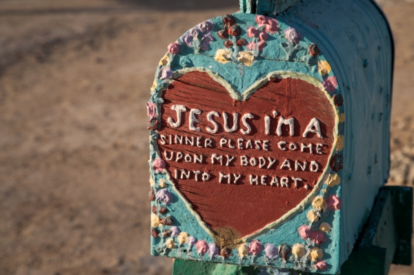 Salvation_Mountain_001