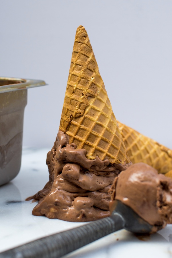 CHOCOLATE-MALTED-CRUNCH-ICE-CREAM-011