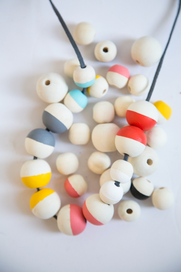 DIY_Painted_Bead_Necklace_001