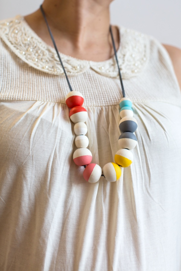 DIY_Painted_Bead_Necklace_002
