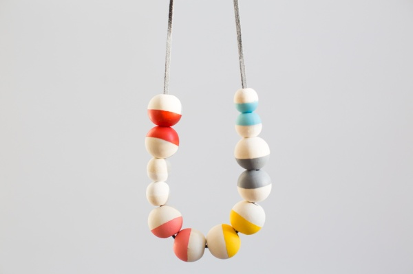 DIY_Painted_Bead_Necklace_003