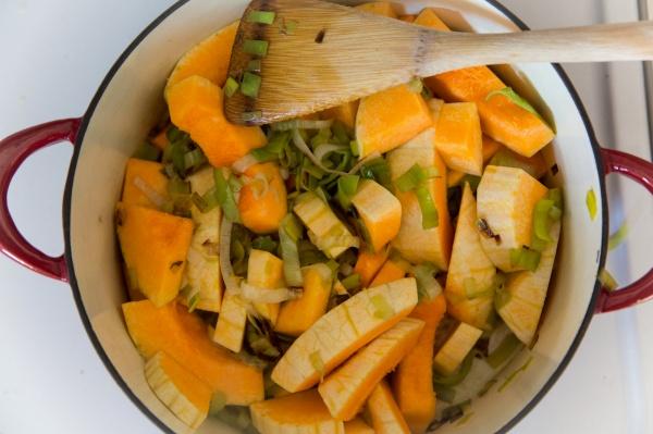 butternut-squash-leek-soup-006